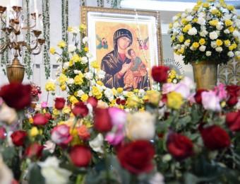 No sétimo dia do novenário devotos festejam o Dia da Padroeira