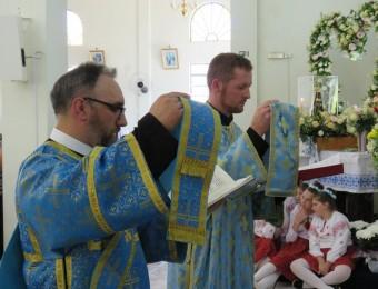 Alunos da pós-graduação em mariologia são ordenados diáconos no rito oriental